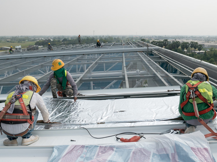 The Benefits of Hiring a Professional Commercial Roof Installation Company