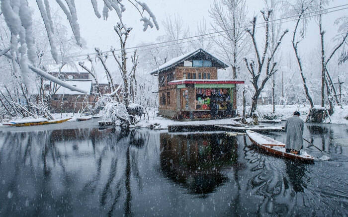 Lesser known places to visit in Kashmir during snowfall: