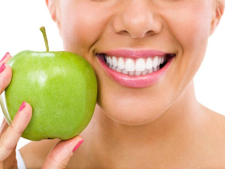 How your eating habits impact your oral health