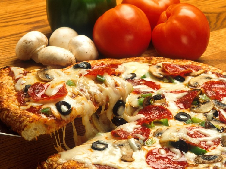 Calories facts in cheese pizza slice