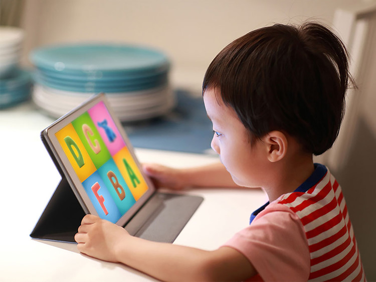 5 Ways Your Kids Can Use Technology for Learning