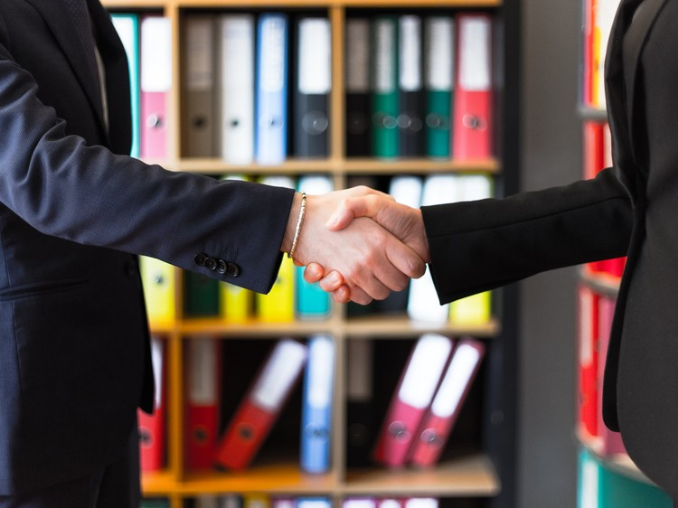 9 Ways Newbie Insurance Agents Can Build Trust With Insurance Customers