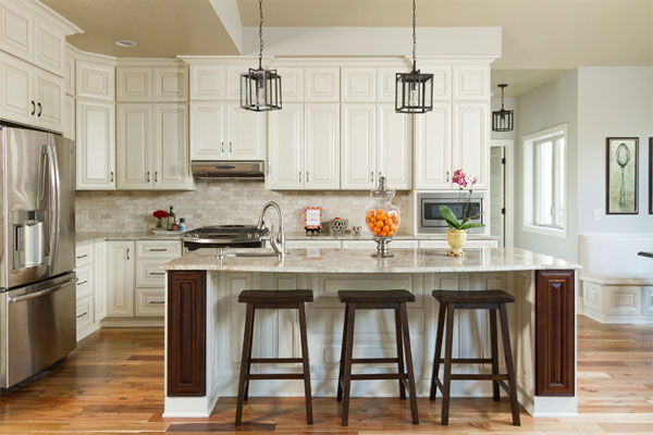 Uphold the Beauty of Contrast in Your Kitchen Space with These 5 Effective Ways