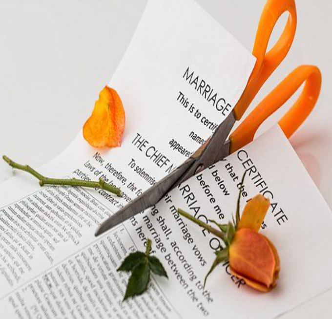 Seven Reasons why it's Necessary to Hire a Divorce Lawyer for Your Case?