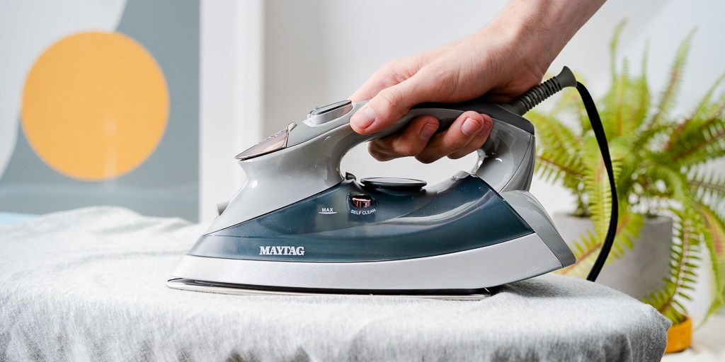 The Best Clothing Steam Irons Professional Review in UK 2020