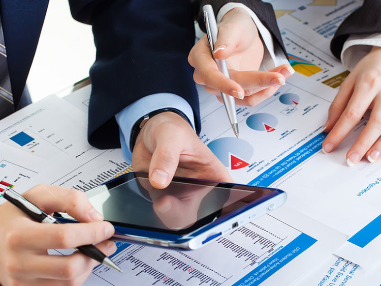 How to choose the right Outsourced Payroll provider?
