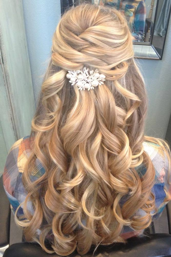 Ideas for Loose Prom Hairstyles with Curls