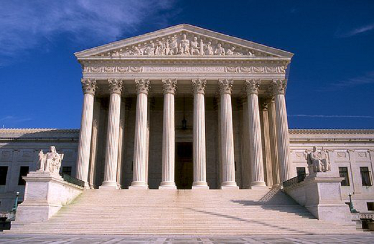 Who Decides Whether A Defendant Should Plead Guilty Or Go To Trial?